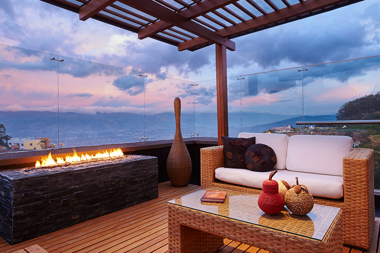 Ideas to Decorate a Small Balcony Space