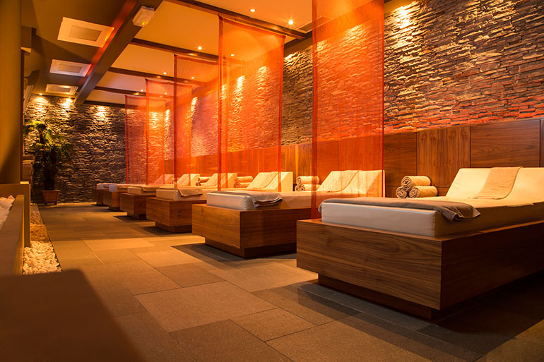 A Luxury Spa Room for Nearby Condo Residents in Toronto