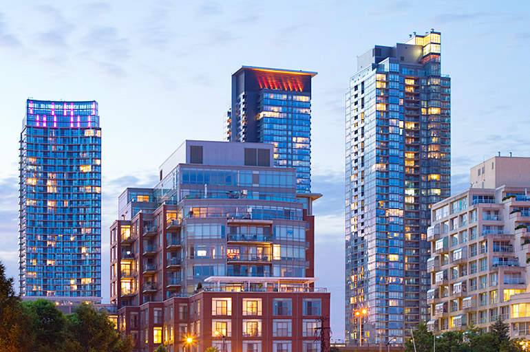 How to Make Money by Investing in New Downtown Toronto Condos